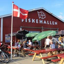 Fiskehallen restaurant på havnen i Thyborøn